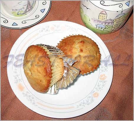 Coconut banana muffin